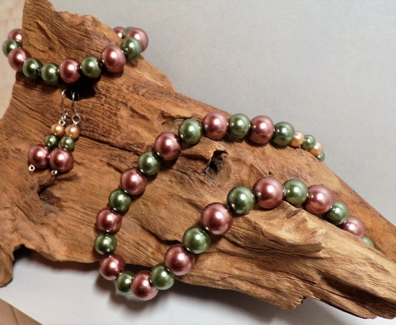 Mauve And Pine Tree Green Jewelry Suite (unconventional And Gorgeous)