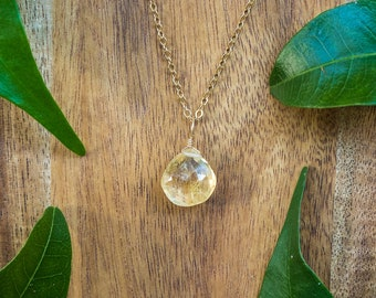 Citrine crystal necklace. Citrine necklace. Boho citrine jewelry. Citrine boho jewelry. Gold citrine jewelry. November birthstone necklace.