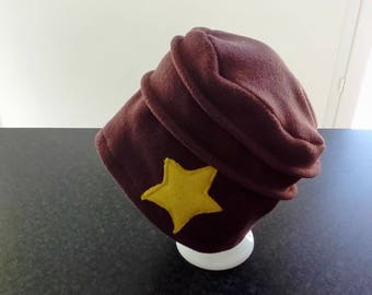 Hat made of fleece and appliqué star