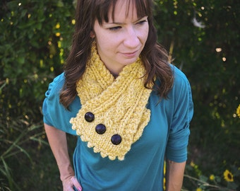 Chunky Cable Knit Cowl