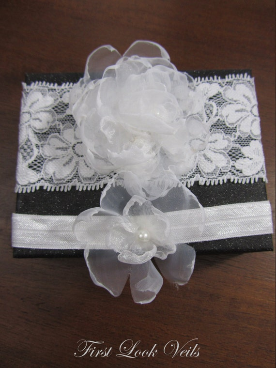 Wedding Garter set, Glass Pearls Accent