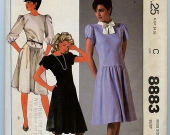 McCall's Pattern 8883 - short or long sleeve dress