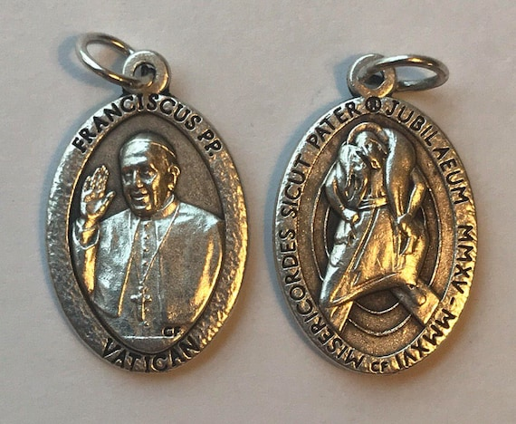 5 Patron Saint Medal Findings, Pope Francis, Die Cast Silverplate, Silver Color, Oxidized Metal, Made in Italy, Charm, Drop, Religious