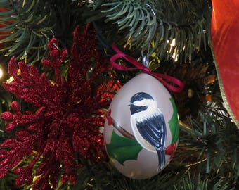 Chickadee & Holly Hand-Painted Gourd Ornament - Set of 4 - Tan