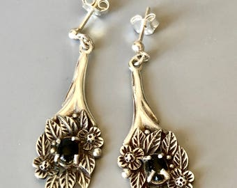 Beautiful vintage silver and onyx earrings