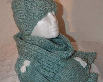 Bonnet mittens and scarves women