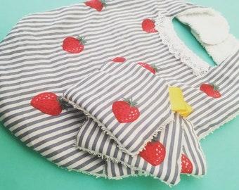 Bib and cloth 'strawberry garden '.