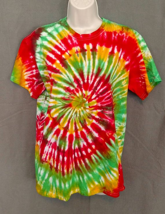 Hand Dyed Tie Dye T-Shirt/Adult T-Shirt/Spiral Design/ Short Sleeve/Unisex/Eco-Friendly Dying
