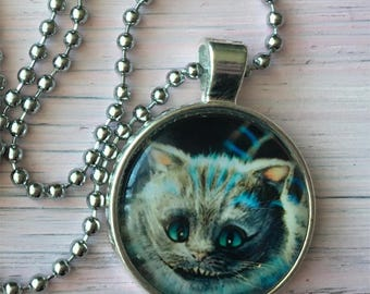 Cheshire cat Alice in wonderland necklace pendant Silver