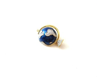Gorgeous Unmarked Vintage Gold Tone Metal Blue Enamel & Clear Rhinestone Travel / Traveling / Wanderlust World Globe / Globe Brooch