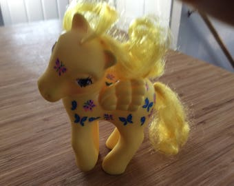 Vintage 1987 My Little Pony DANCING BUTTERFLIES..one of the many pony names from G1 that Hasbro brought back to recycle as  G 3