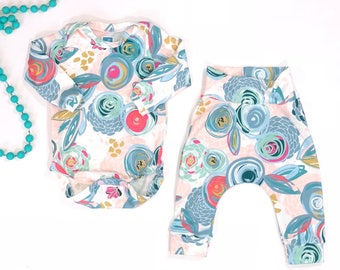 Baby Girl Outfit l Baby Girl Bodysuit Outfit l Harem Pants l Baby Shower Gift l New Baby Outfit l Coming Home Outfit l Baby Girl Set