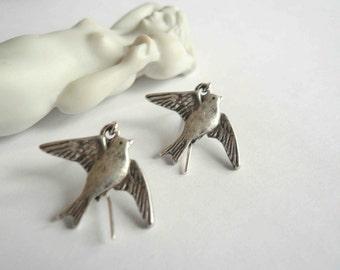Silver bird earrings Silver Sparrow earrings Silver earrings Bird dangles Little birds Small earrings Gift for the bird lover bird watcher