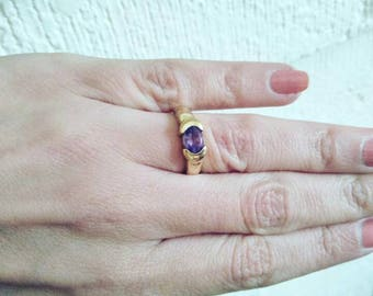 Sunny yellow gold and amethyst ring