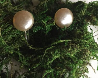 Pearlesque Clip-Ons   60s vintage mid century dome shape pearl earrings silver hardware preppy classy women