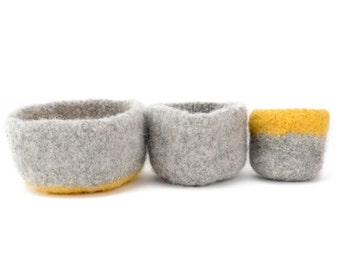 WOOLY FELTED BOWLS --three felted bowls in light grey and yellow 26