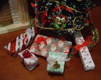 Dollhouse Miniature 5 Christmas presents 1:12 Scale