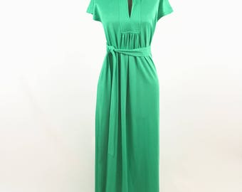 1970s Green Maxi Dress - Vintage 70s Green Polyester Maxi - by Shawn Originals - Spring Fashion - Summer Fashion - Vintage Green Maxi Dress