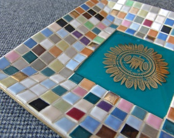 Georges Briard Design Mid-Century Muti-Colored Ceramic Tile Serving Tray with Gold Medallion on Glass Insert