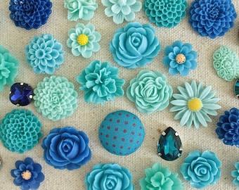 Blue Decorative Thumbtacks, Aqua Push Pins Set, Bulletin Board Tacks, Turquoise Cork Board, Aqua Flower Tacks, Navy Pushpin, Fancy Thumbtack