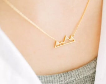 Snowy Mountain Pendant Necklace Gold