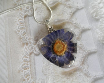 Daisy Pressed Flower Glass Triangle Pendant-April's Birth Flower-Symbol Loyal Love-Nature's Art-Gifts For 25