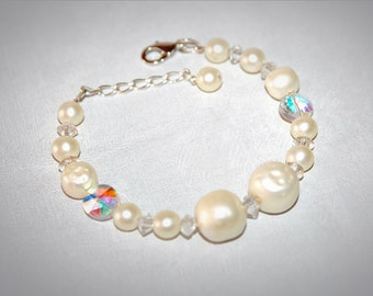 Repurposed Vintage Pearl Bracelet. Bridal Jewelry. OOAK. Something Old