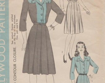 Hollywood 1296 / Vintage 40s Sewing Pattern / Dress / Size 14 Bust 32