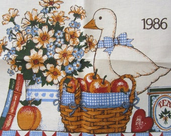 1986 Sweet White Duck and Flowers Calendar Linen Vintage Kitchen Towel