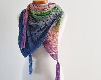 Lace crochet shawl, triangular, Q544