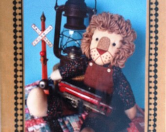 """UNCUT """"Lindley"""" the 17"""" Lion Craft Sewing Pattern from the 1990 Apron Strings Collection Designed by Joanne Burkhart"""