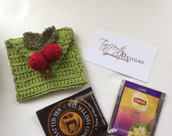 Crocheted Tea Travel Purse / Tea Purse / Tea bag Holder / Tea Wallet - in Pure Cotton - Apple Green with red berries