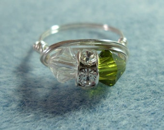 Hand Wrapped Ring in Green & White