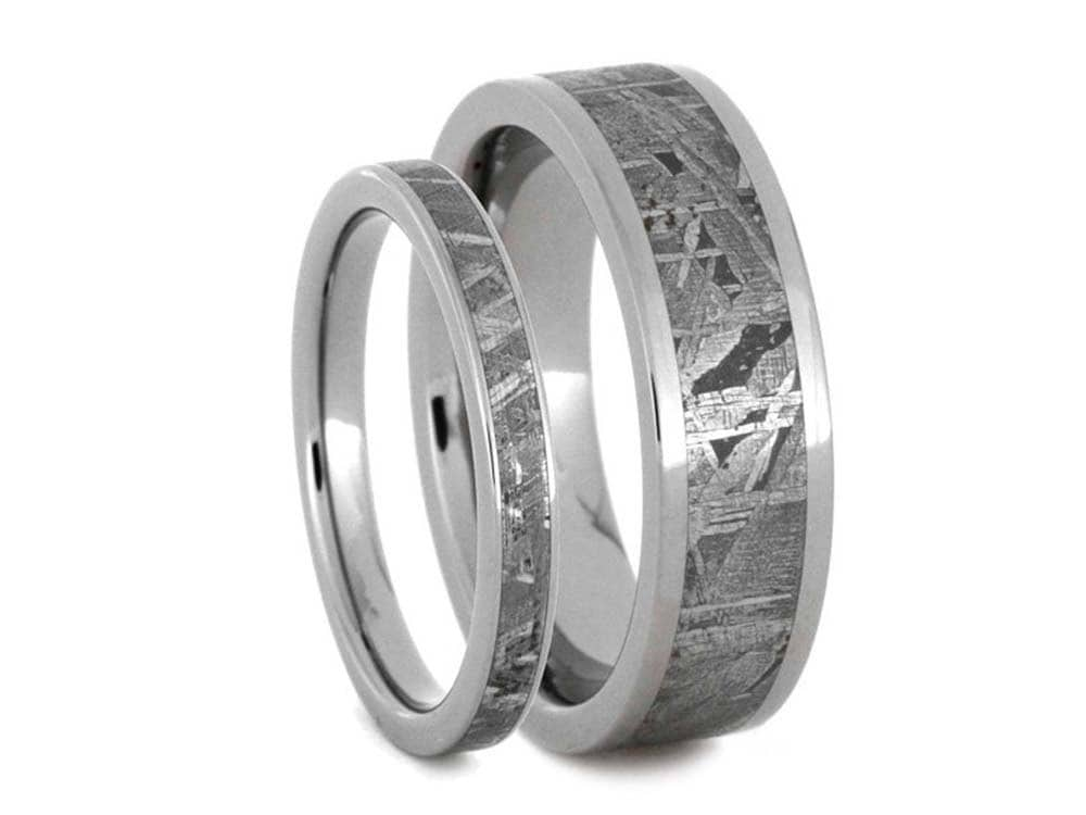 zoom - Meteorite Wedding Ring