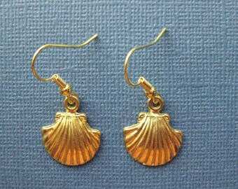 Shell Earrings - Gold Shell Earrings - Seashell Earrings - Dangle Earrings - Sea Shell Earrings -- E118