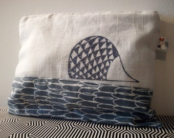 Case in linen and cotton pattern Hedgehog