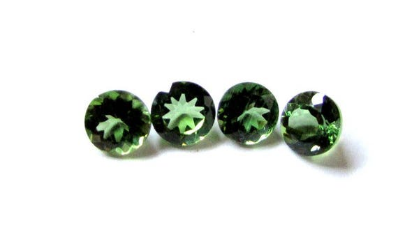 APATITE 6 MM ROUND CUT ALL NATURAL CHROME GREEN COLOR