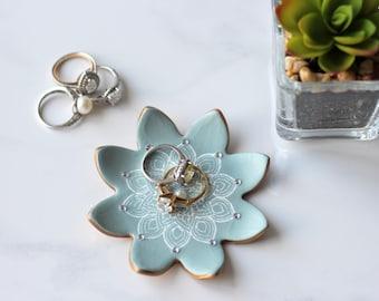 Mandala Clay Ring Dish, Blue & Gold Trinket Tray, Mandala Ring Holder, Ring Plate, Bridesmaid Gift, Bridal Party Gift, Jewellery Photo Prop