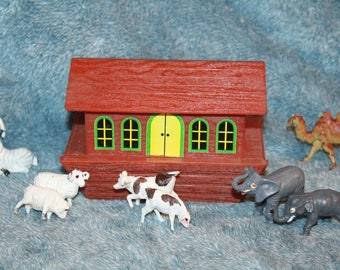 Vintage 1970's Noah's Ark with Animals