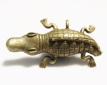Large African Crocodile Pendant, Tribal Pendant, Unusual Pendant (*AG205*)