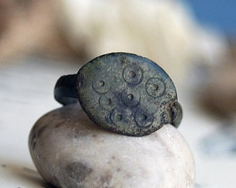 ring from a private archeological dig... size 7.5 ... X 261