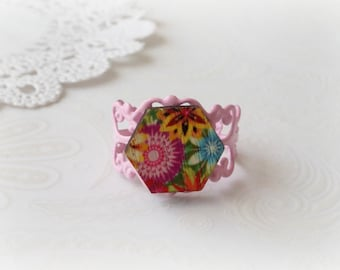 Pink Filigree with Wooden Tropical Flowers Ring