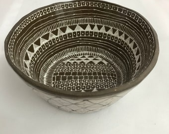 Bown/White Bowl