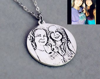Engraved Photo Necklace,Custom Picture Necklace,Personalized Photo Necklace,Circle Photo Necklace,Portrait Necklace,Engraved Photo Keepsake