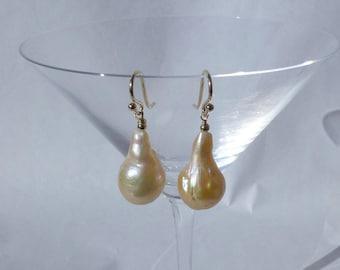 Blush Teardrop Baroque Pearl Earrings (B)
