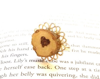 Chestnut Wood Slice Adjustable Vintage Style Flower Filigree Ring