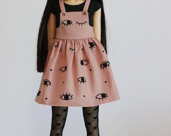 I see you - Dusty pink overall dress with iron-on vinyl eyes and black tee for Slim MSD - by Icantdance