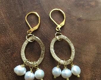 Gold Earrings, Pearl Earrings, Bridesmaid Jewelry, Wedding Jewelry, Beaded Earrings, Dangle Earrings, Freshwater Pearl Jewelry