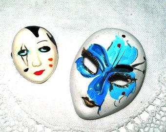 Theatre mask brooch, carnival mask, vintage mask brooch, ceramic, theatre mask lapel , 1950s broach