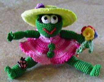 Bonnie's OOAK Crochet Cotton Thread Item  Mini Frog  Doll /Not A Toy @cyicrochet